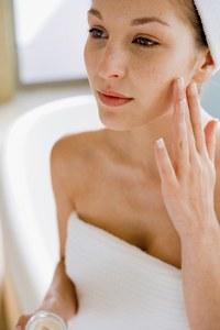 microdermoabrasion_tecnicas_rejuvenecimiento_antienvejecimiento_tratamiento_acne_produccion_colageno_dermatologia
